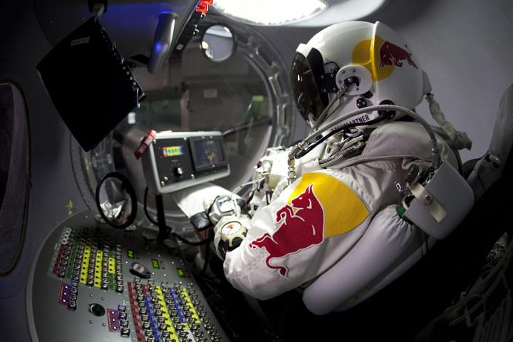 Red Bull Stratos: Caída libre desde la estratosfera de la Tierra