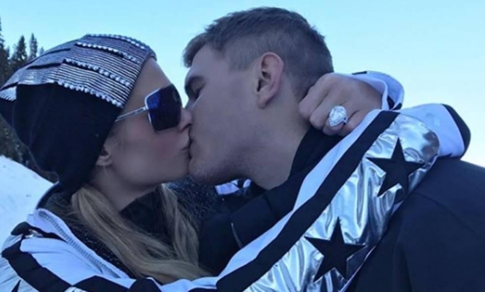 Anillo de compromiso de Paris Hilton es valuado en dos millones de dólares