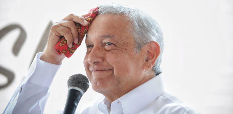 """Convocan a fiesta de AMLO en su """"depa"""""""