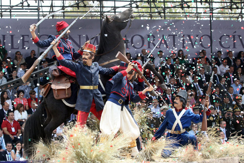 Conmemoran la gesta de Zaragoza, entre la fiesta y la queja