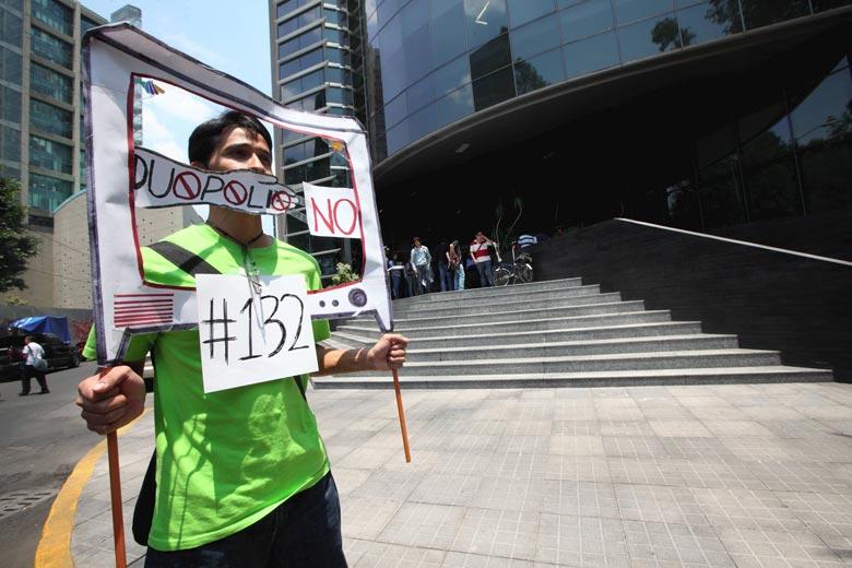 Exige #YoSoy132 ante IFE proceso electoral limpio