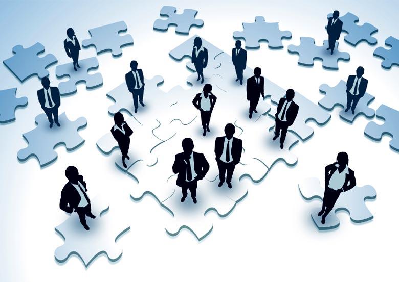 Desdeñan empresarios a las redes sociales