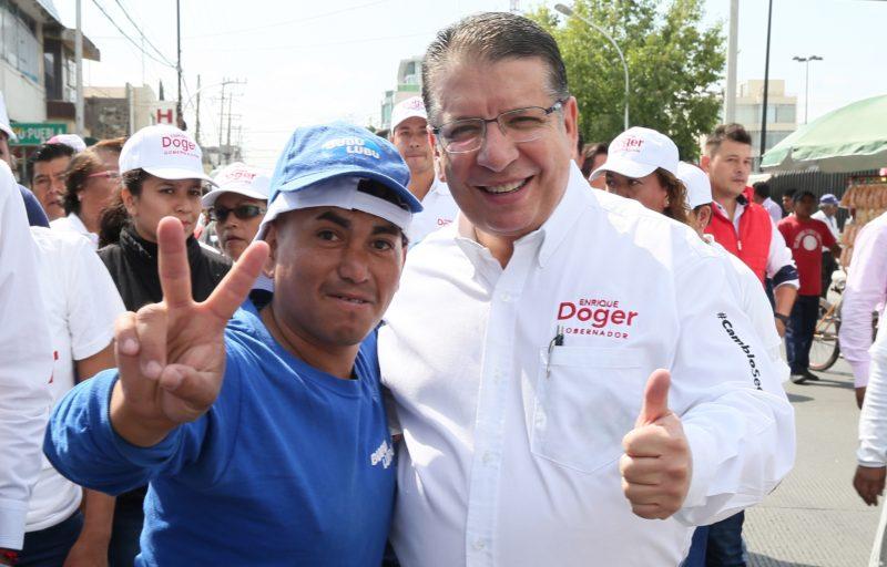Reconoce Doger unión y hermandad de poblanos - INCIDENCIA