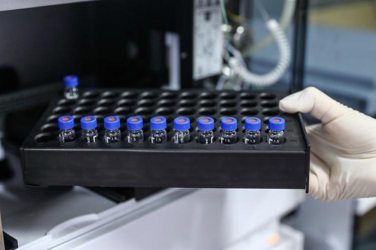 Vacuna china en pruebas contra Covid-19 es segura, según resultados premilinares publicados por «The Lancet»