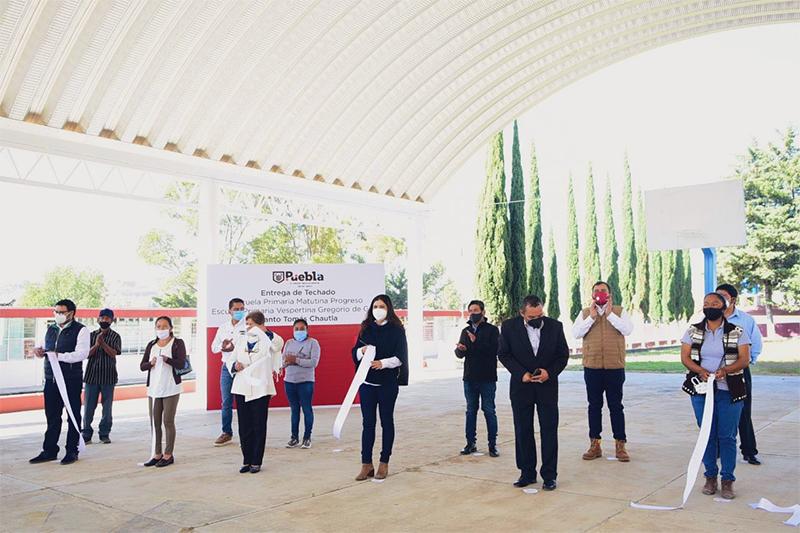 Ayuntamiento de Puebla mejora espacios educativos con más infraestructura en Santo Tomás Chautla