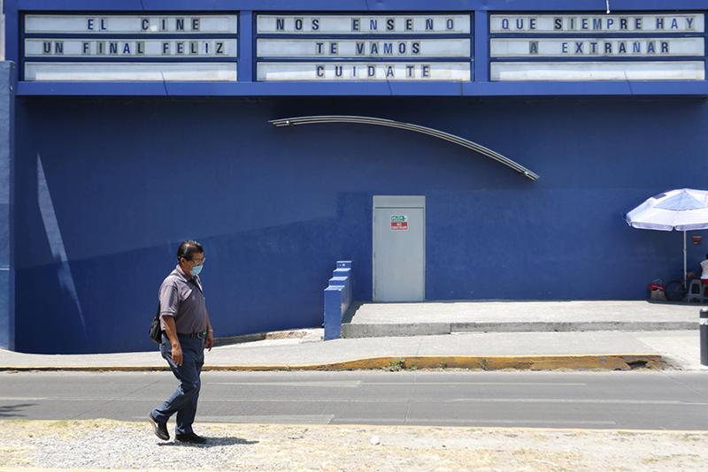 Con protocolos sanitarios, los cines reabrirán en Puebla