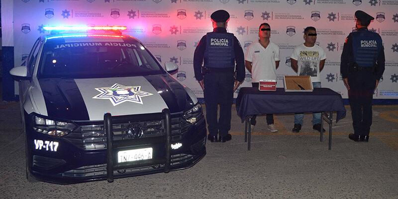En combate al robo, Policía Municipal de Puebla reportó la detención de probables asaltantes de un automovilista