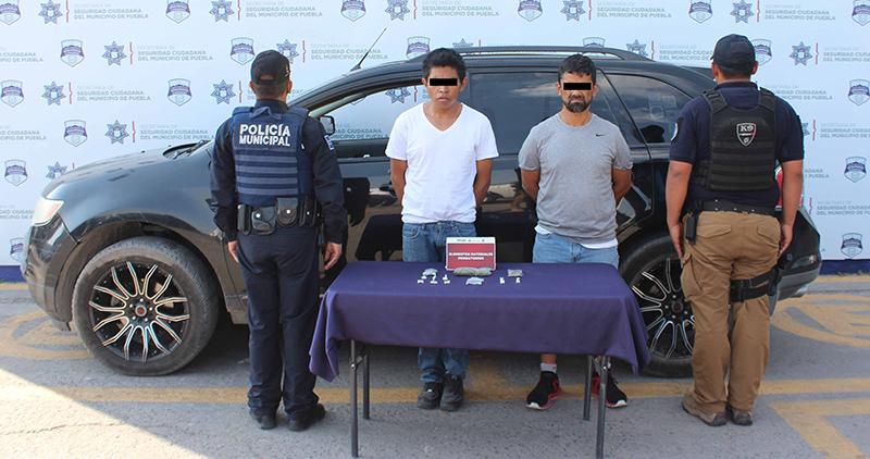 Detectó y detuvo Policía Municipal de Puebla a dos hombres presuntamente relacionados en un robo de vehículo en grado de tentativa