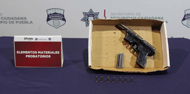 Mediante labores de inteligencia, Policía Municipal de Puebla ubicó y detuvo a menor de edad presuntamente dedicado al robo a negocio
