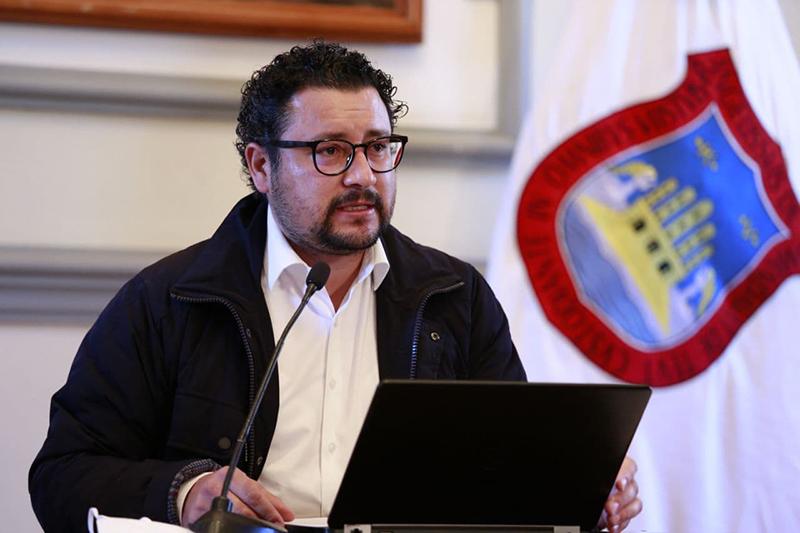 Gobierno de la Ciudad intensifica bacheo y mantenimiento de parques y jardines