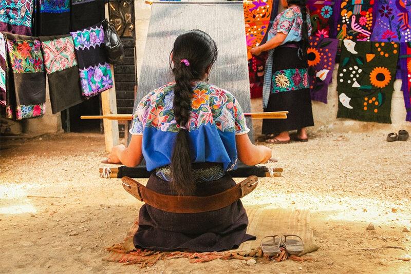 Urgen acciones para proteger diseños y textiles indígenas